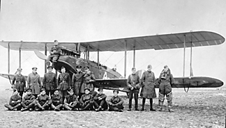 211 Squadron RAF 'A' Flight Officers and mechanics with DH9 1918