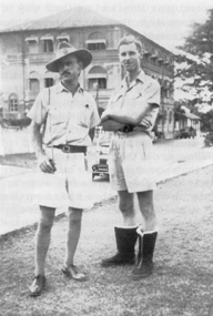 Sgt WG Manton (l), Sgt BP O'Brien (r), Galle Face Ceylon, March 1942